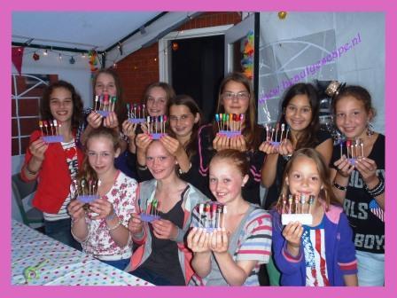 meidenfeestjes stadskanaal nagels versieren kinderfeestje workshop japanse manicure, gellak., cuccio, mistero milano,nagelstudio groningen assen drenthe nailart kinderfeestje workshop, studenten werk evenementen,wimpers verlengen, wimperextensions, manicure, pedicurenail art workshop, nagels feestje, assen,groningen, drenthe, kinderfeestje,nagelstudio nailart, de beste studio